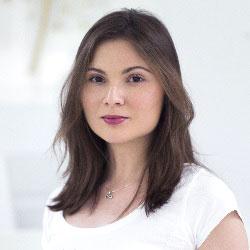 Илина Панова