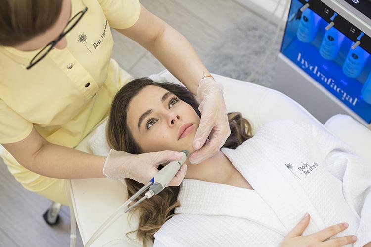 Hydrafacial уред за почистване на лице, екстракция, хидратиране и пилинг