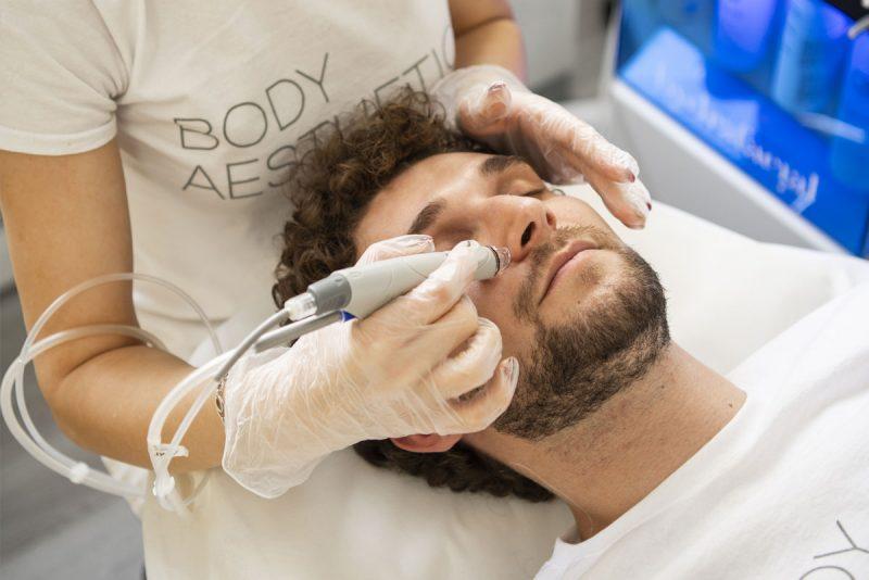 Hydrafacial почистване на лице е подходящ вариант и за мъже